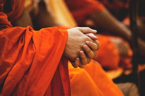 Innerlich ruhig und zitternde Hände
